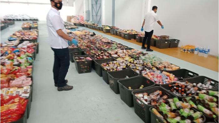 Gudang Disulap Jadi Minimarket Disangka Grosir, Dijual Makanan dan Minuman Bekas Terendam Banjir