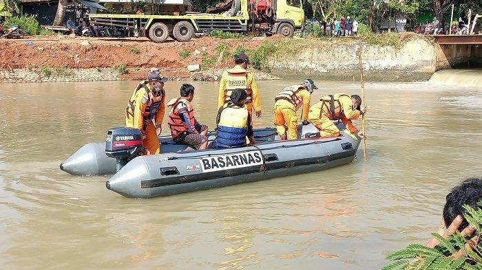 BREAKING NEWS Sedang BAB di Sungai, Pria Paruh Baya di Indramayu Terpleset dan Tenggelam