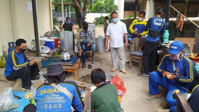 Dapur Umum DSPPPA Kota Cirebon Siapkan 2.000 Paket Makanan Sehari