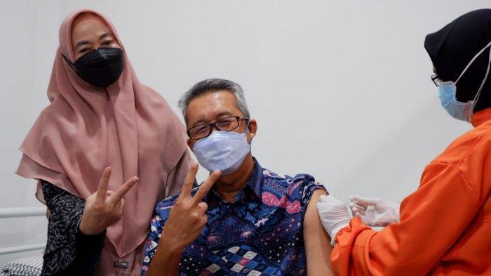 Sempat Positif Covid-19, Sekda Kota Cirebon Masih Bisa Disuntik Vaksin, Ini Alasannya