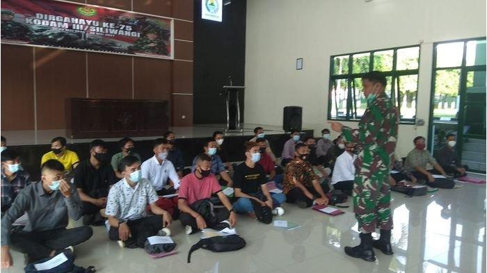 Hadapi Ancaman Perang atau Bencana, Dandim 0615/Kuningan Rekrut 65 Warga untuk Komcad Matra Darat