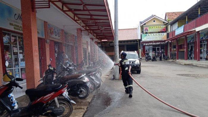 Selama Bulan Puasa Damkar Kuningan Habiskan Sebanyak 805.000 Liter Cairan Disinfektan