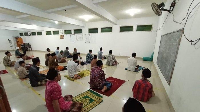 Tata Cara Shalat Tarawih Sendirian dan Berjamaah, Dilengkapi Niat Salat Witir Serta Doa Kamilin