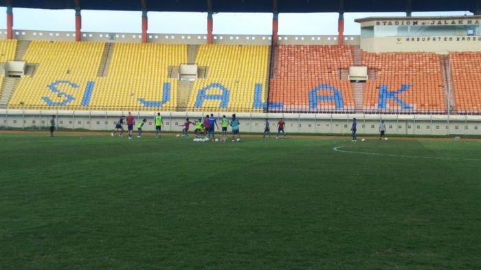 Bersiap Hadapi Persela Lamongan, Persib Bandung Kembali Latihan di Stadion Si Jalak Harupat Soreang