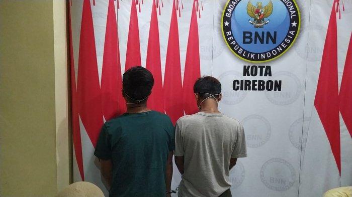 BNN Limpahkan Kasus Dua Kembar Pengedar Obat Keras ke Polres Cirebon Kota