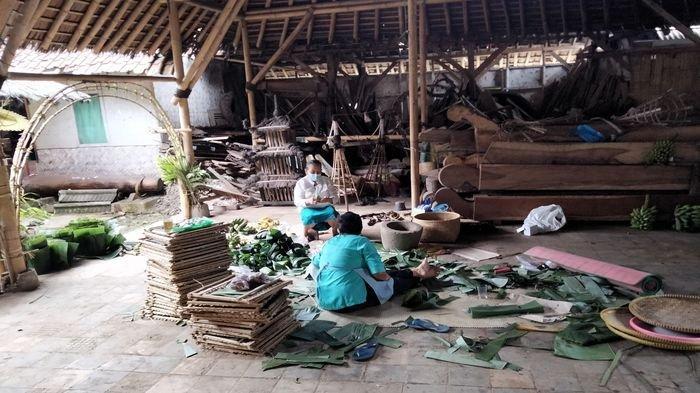 PPKM Darurat, Warga Adat Karuhun Urang Sunda Wiwitan di Kuningan Tetap Gelar Ritual Seren Taun