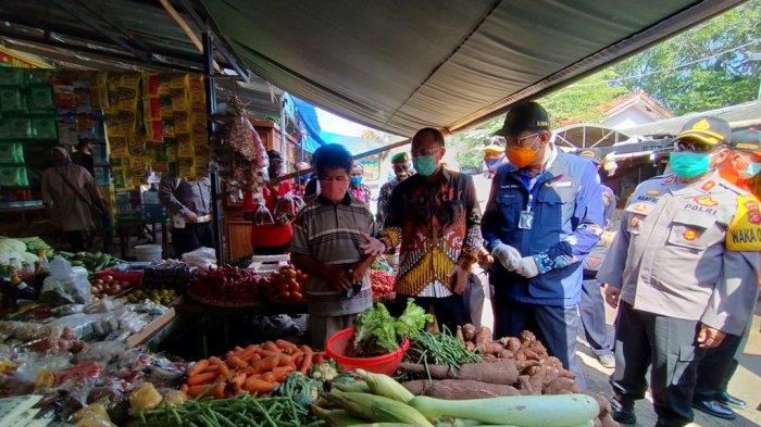 Plt Bupati Indramayu Imbau Warga Tak Bawa Anak Saat Belanja ke Pasar Karena Alasan Ini