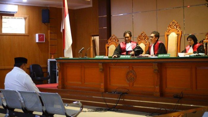 Sidang Kasus Bupati Indramayu, Terdakwa Benarkan Rp 1,6 M ke Anggota DPRD Jabar Bukan Fee Banprov