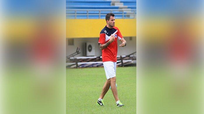 Timnas Indonesia Cari Pelatih, Iwan Bule Ucapkan Terima Kasih kepada Simon McMenemy