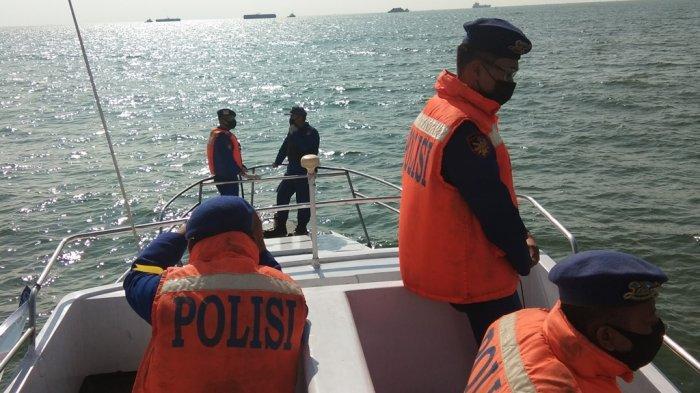 Jalur Laut Dijaga Polisi di Indramayu, Cegah Pemudik yang Nekat Pulang Kampung Naik Perahu