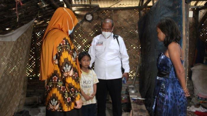 Bocah 7 Tahun yang Rawat Ibu ODGJ di Indramayu dapat Bantuan Rumah dari Pemdes dan Komunitas Motor
