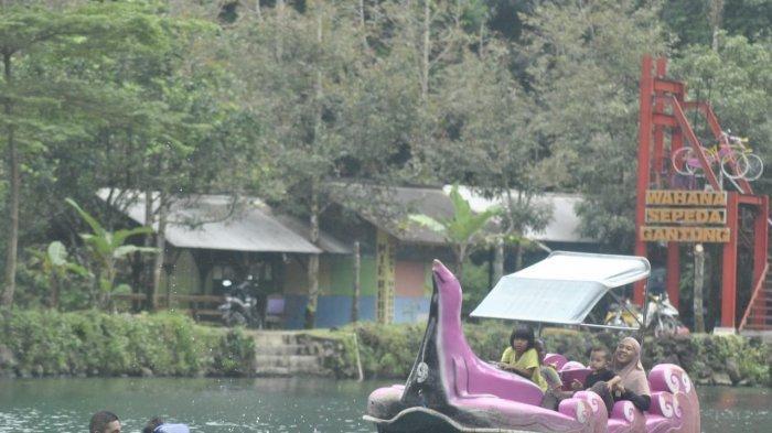 Akhir Pekan, Saatnya Wisatawan Menikmati Kesejukan Situ Cipanten Majalengka, Airnya Punya Dua Warna