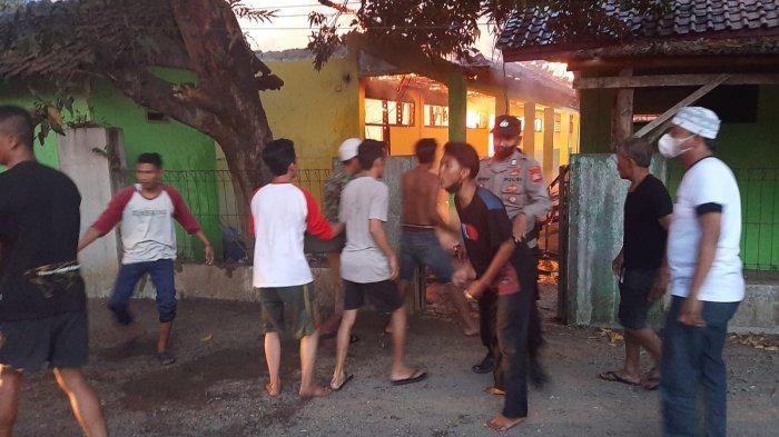 Sejumlah Ruangan SDN 1 dan 2 Waleddesa Cirebon Terbakar, Diduga Akibat Korsleting Listrik