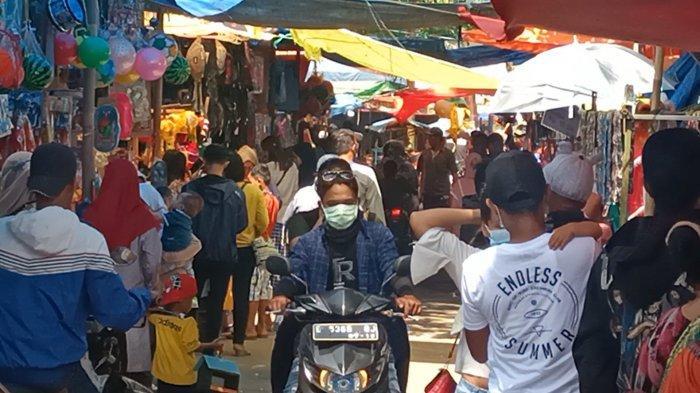 Ramai Pengunjung Objek Wisata di Situs Buyut Banjar Indramayu Abai Protokol Kesehatan