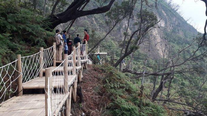 Skywalk Cantigi Cocok Banget Buat Swafoto di Kawah Putih