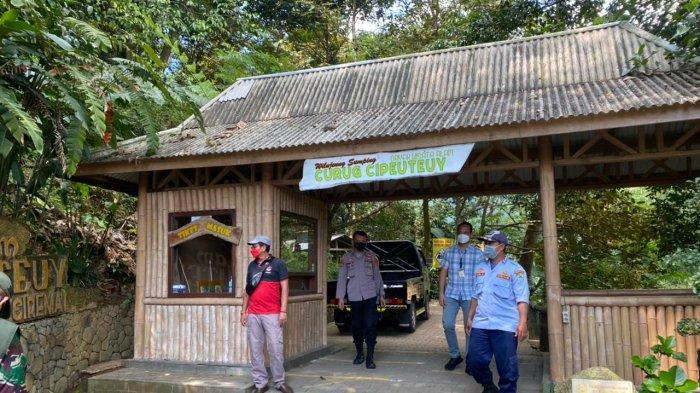 Petugas Gabungan Majalengka Gencarkan Sosialisasi PPKM Mikro Darurat di Sejumlah Objek Wisata