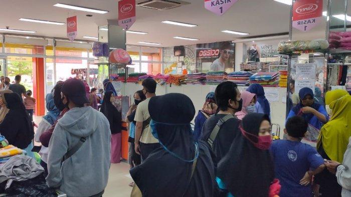 PSBB Belum Selesai, Warga Majalengka Serbu Pusat Perbelanjaan untuk Beli Kebutuhan & Baju Lebaran