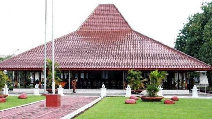BREAKING NEWS: Delapan Pegawai Positif Covid-19, Pendopo Bupati Cirebon Lockdown