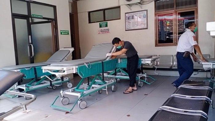 Suasana RSUD 45 Kuningan Lengang, Petugas Pendaftaran Sebut Tak Ada Calon Pasien Umum yang Datang