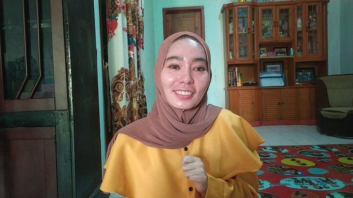 Guru Susan Ingin Sepeda dari Presiden Jokowi, Kondisinya yang Sempat Lumpuh Akibat Divaksin Membaik
