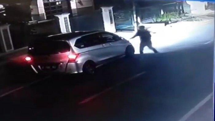 Peristiwa Tabrak Lari yang Tewaskan Seorang Kakek di Cipatik Berhasil Diungkap Melalui Rekaman CCTV