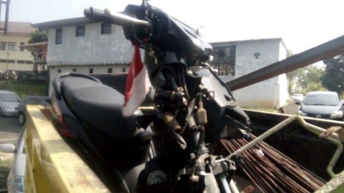 Pelajar Bawa Motor Tewas Setelah Tabrakan dengan Truk Proyek KCIC di Cikalongwetan KBB