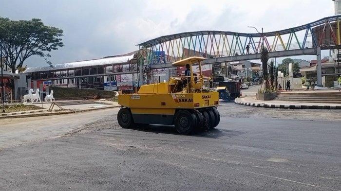 Renovasi kawasanTamanKotaKuninganmemasuki tahap finishing.
