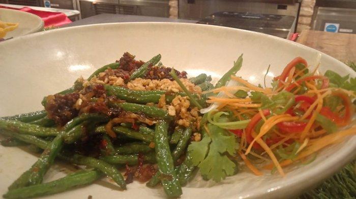 Bingung Mau Masak Apa untuk Makan Siang? Yuk Coba Buat Tumis Kacang Panjang Ala Hotel Berbintang