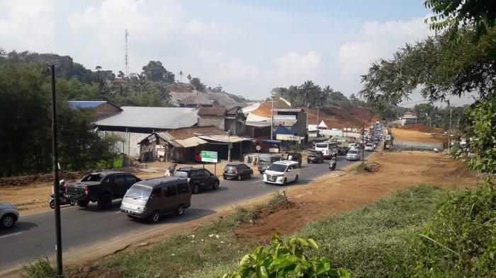 Hati-Hati! Ruas Jalan Tanjungsari Menuju Sumedang Macet Sepanjang Tiga Kilometer