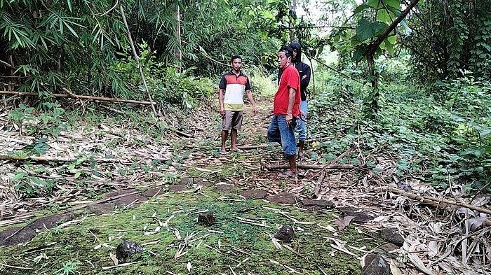 Suasana di tempat pesugihan Gunung Simpay di Desa Pagundan, Kecamatan Lebakwangi, Kuningan, Jawa Barat, Selasa (16/2/2021).