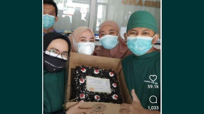 Ridwan Kamil Kirim Kue ke 92 Rumah Sakit di Jabar, Ternyata Ini Tujuan di Balik Pengirmannya