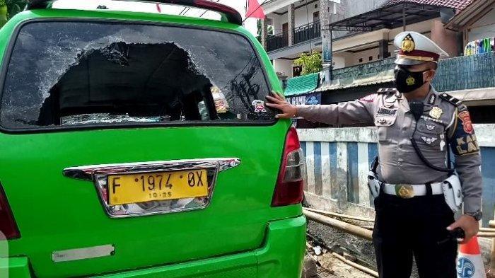 Panik Ketahuan Berzinah dalam Mobil, Sopir Angkot Tabrak Satpam hingga Meninggal, Terancam Penjara