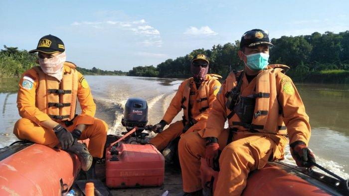 Tim SAR LanjutkanPencarian Kakek Kamsiah yang Tenggelam di Sungai Cimanuk, tapi Belum Ada Hasil