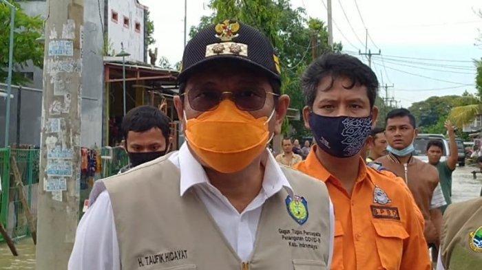 Tinjau Lokasi Banjir, Plt Bupati Indramayu Janjikan Akan Segera Normalisasi Sungai Cibuaya