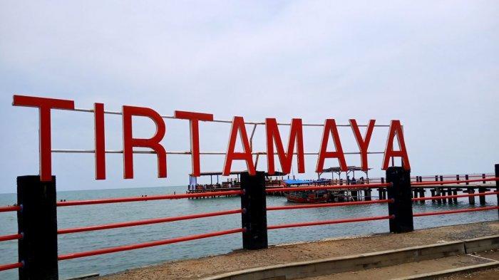 5 Rekomendasi Pantai di Indramayu Yang Cocok Dikunjungi Saat Liburan Bersama Keluarga & Pasangan