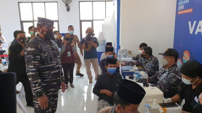 Serbuan Vaksinasi Maritim di Dua Pesantren Kabupaten Cirebon Jadi Upaya TNI AL Bangkitkan Pendidikan