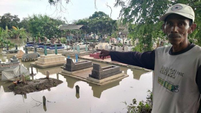 Makam di Blok Curug Indramayu Rutin Kena Banjir, Calon Kuwu Pernah Mau Perbaiki, Kalah, Tidak Jadi