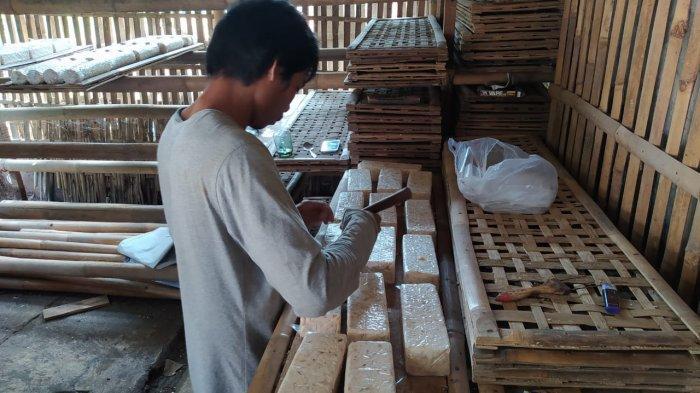 Ukuran Tahu dan Tempe Diperkecil Demi Menyiasati Harga Kacang Kedelai yang Semakin Mahal