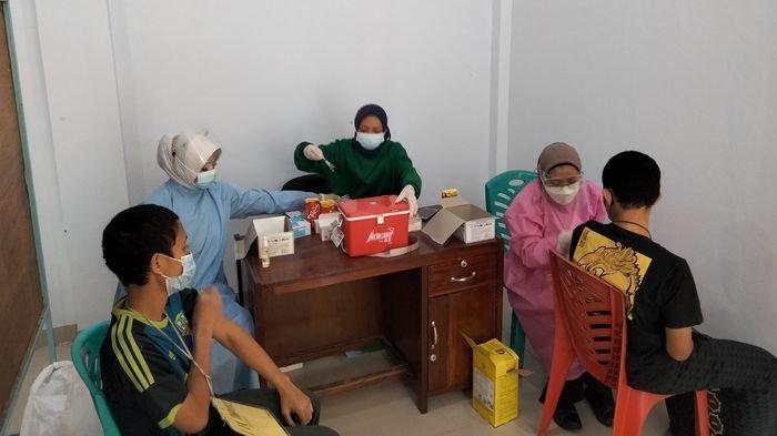 Serbuan Vaksin Covid-19 di Ponpes Husnul Khotimah Kuningan, Danrem 063 SGJ Cirebon: Warga Antusias