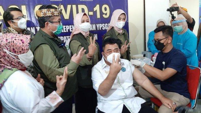 Ratusan Dosen UGJ Jalani Vaksinasi Covid-19 Kerja Sama dengan Pemkab Cirebon, Ditinjau Bupati Imron