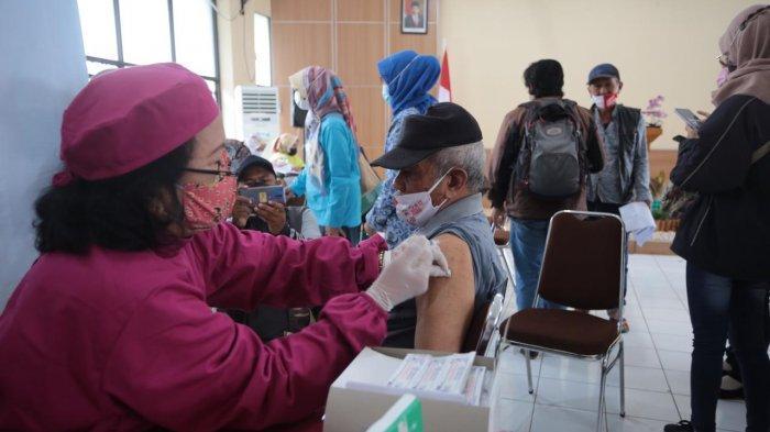 Plt Wali Kota Cimahi Targetkan Vaksinasi Covid-19 untuk Lansia Beres Pada 29 Mei