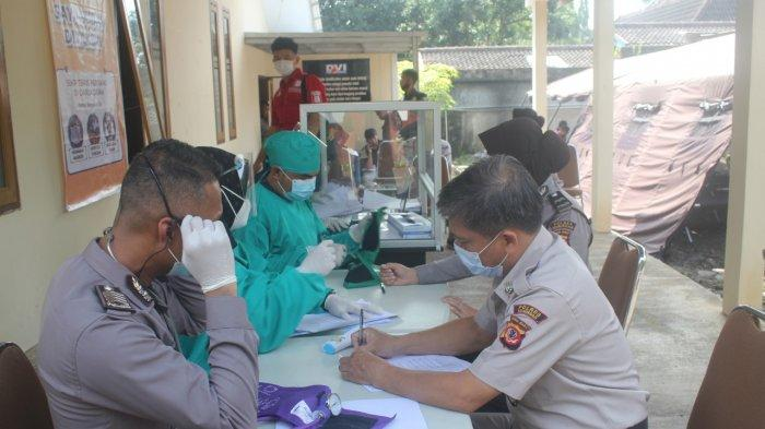 Ratusan Anggota TNI dan Polisi di Kuningan Mendapat Suntikan Vaksin Sinovac