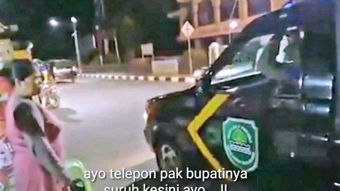Emak-emak di Subang Marahi Petuagas Saat Razia PPKM Darurat, Minta Bupati Menghadap