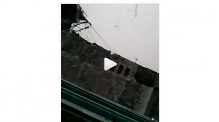 VIRAL 273 Rumah Rusak dan 6 Orang Terluka Disapu Angin Puting Beliung di Slangit Cirebon