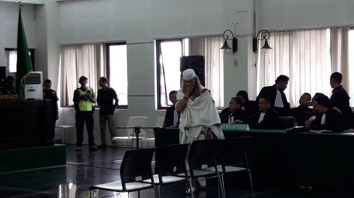 Suasana persidangan dengan terdakwa Habib Bahar bin Smith yang beragendakan pembacaan vonis, Selasa (09/7/2019).