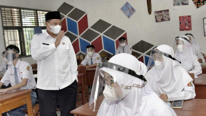 Tekan Covid-19, Wagub Jabar Imbau Gencarkan Vaksinasi dan Jaga Prokes