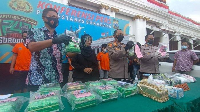 Dua Wanita Asal Bandung Jadi Kurir Sabu-sabu Pakai Mobil Camry, Ditangkap di Rest Area Mojokerto