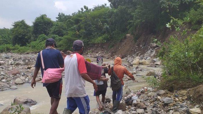 Warga Desa Cihirup Kuningan Digegerkan dengan Penemuan Mayat di Bantaran Sungai Cipanundan
