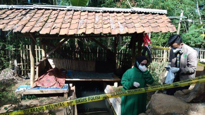 Warga Desa Cikadu Kuningan Digegerkan Dengan Penemuan Mayat Petani Tergeletak di Saung Kebun
