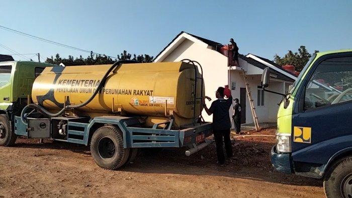 Warga Desa Miliarder Kesulitan Air Baku di Tempat Tinggal Baru Terpaksa Beli Air, Ini Kata Kades
